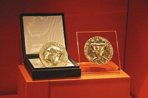 جایزه نوبل برای باتری لیتیوم یون